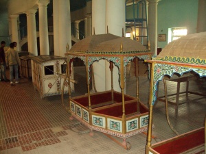 Palanquin for Queens
