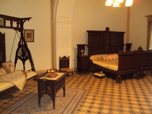 Miget Queen's Bed Room