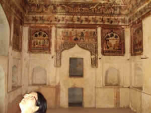 Walls of King's Room in Raja Mahal