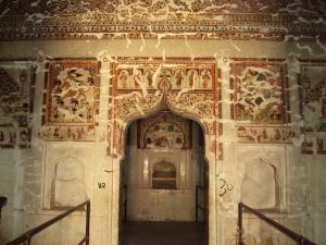 Ceiling & Walls of Queen's Room in Raja Mahal