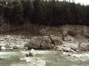 River Bias Which Flows & Devides Manali In 2 Parts