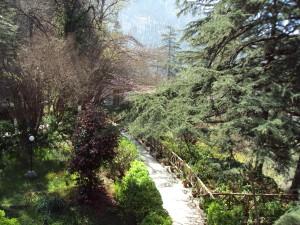 Svetoslav Roerich & Devika Rani Memorial - Naggar [ The Pathway ]