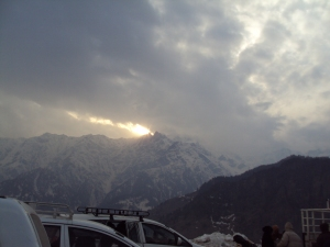 Sun Sers At Gulaba - Inbetween Manali & Rohtang Pass