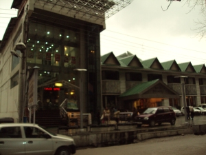 Exterior of Hotel Piccaddily - Manali