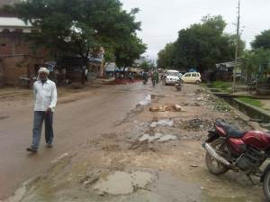 Main Road Lar - Deoria