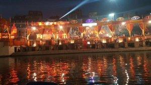 GANGA AARTI in Varanasi Prime Minister Narendra Modi with Prime Minister Shinzo Abe